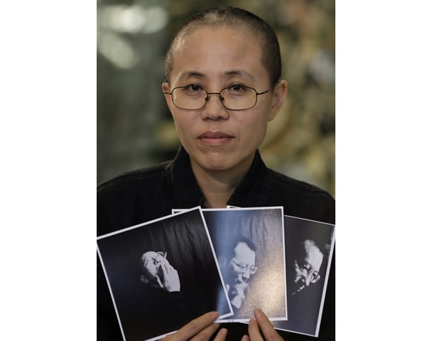 "While reading about Liu Xiaobo and his wife Liu Xia I was introduced to the Chinese words lao baixing and Jūnzǐ. lao baixing means ""ordinary folks"", ""the people"", or ""commoners and Jūnzǐ is..."
